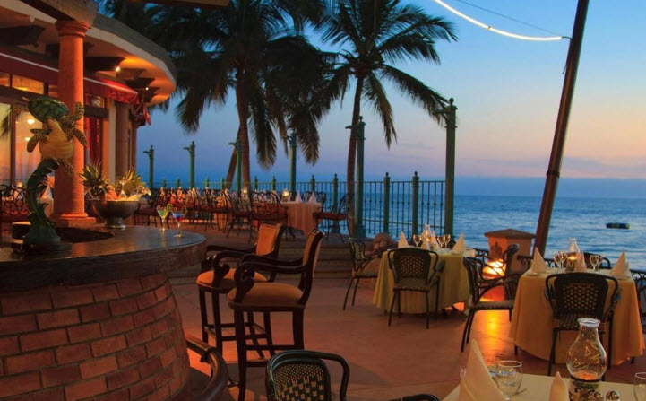 Villa Del Palmar Flamingos beach front restuarant