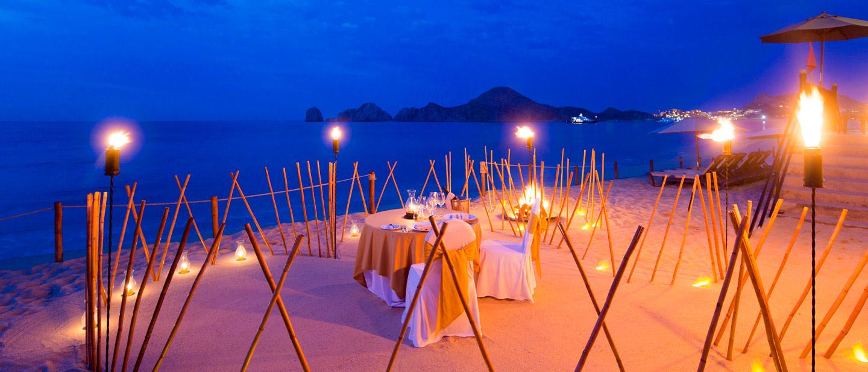 Romantic Beach Front Dining at Villa La Estancia